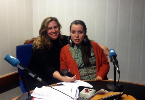 Hablando sobre Escocia en el programa de radio Dos días contigo