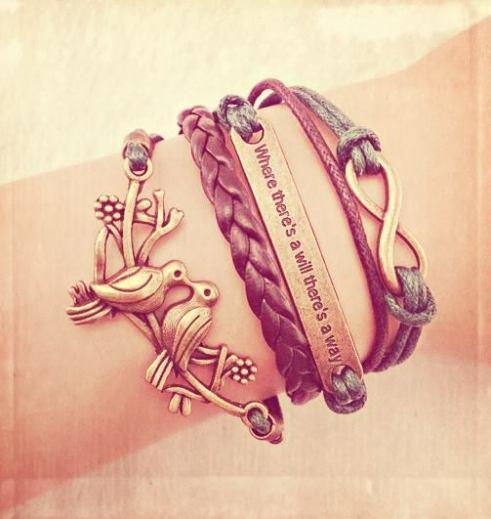 Dos pulseras y dos colgantes, regalos y caprichos de Berry Jelly Shop